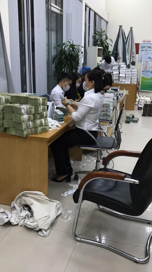 Mánh khóe rửa tiền của các đối tượng trong đường dây đánh bạc RIKVIP - ảnh 2