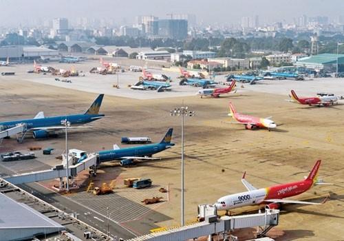 Vé máy bay được bình ổn trong khi giá dịch vụ sân bay tăng