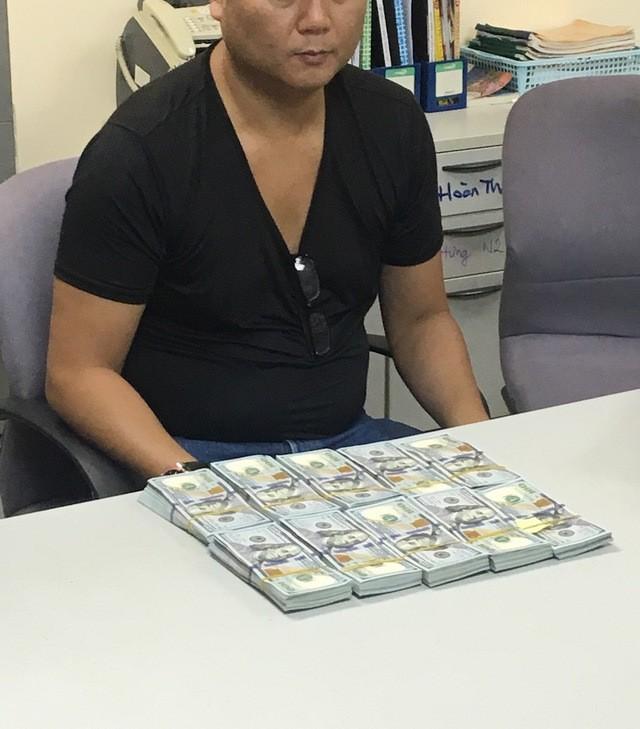 TPHCM: Du khách Nhật xuất cảnh cùng 100.000 USD nhưng không khai báo hải quan - ảnh 1