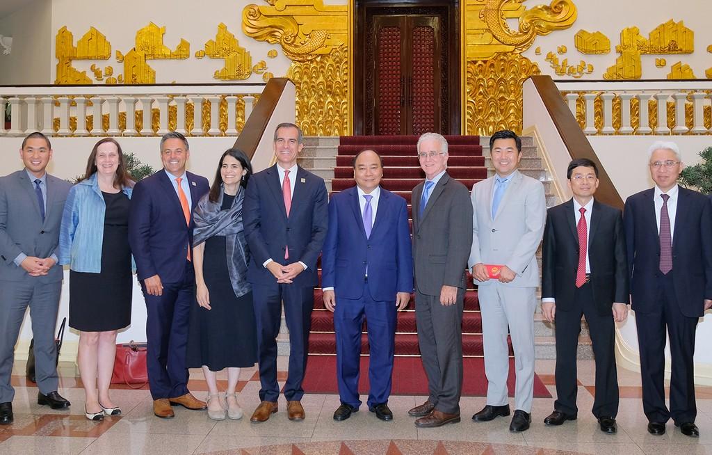 Thủ tướng Nguyễn Xuân Phúc tiếp Thị trưởng Los Angeles, Hoa Kỳ - ảnh 1