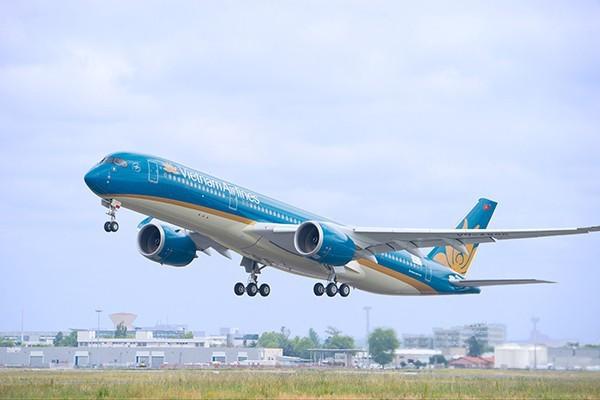 Vietnam Airlines phải giải trình về việc tuyển dụng phi công