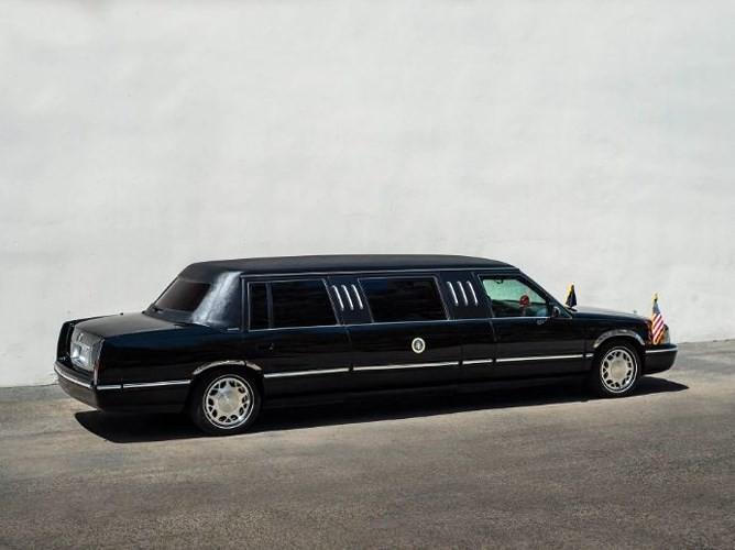 """Đấu giá """"hàng nhái"""" Cadillac One của Tổng thống chỉ từ 232 triệu đồng - ảnh 8"""