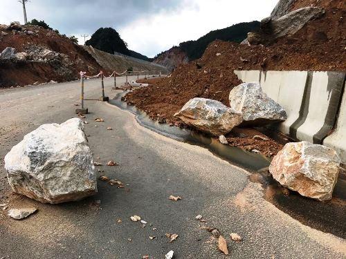 Cao tốc 12.000 tỷ ở Quảng Ninh xuất hiện nhiều điểm sạt lở - ảnh 1
