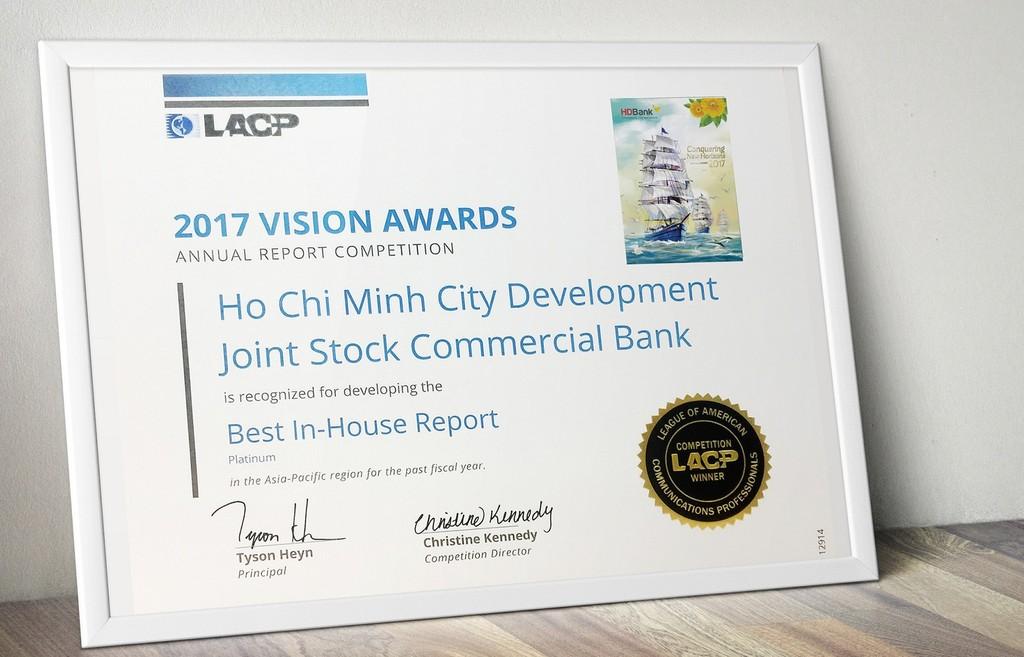 Báo cáo thường niên năm 2017 HDBank vừa đạt giải Bạch kim – Giải thưởng cao nhất trong cuộc thi Vision Award