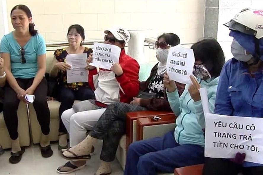 Rất nhiều nạn nhân đã khiếu kiện Công ty Sao Vàng và bà Trang để đòi lại tiền huy động. Ảnh: H.H