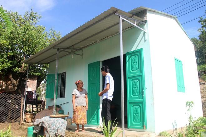 Các hộ nghèo đặc biệt khó khăn ở huyện Mường Lát có nhà mới kiên cố.