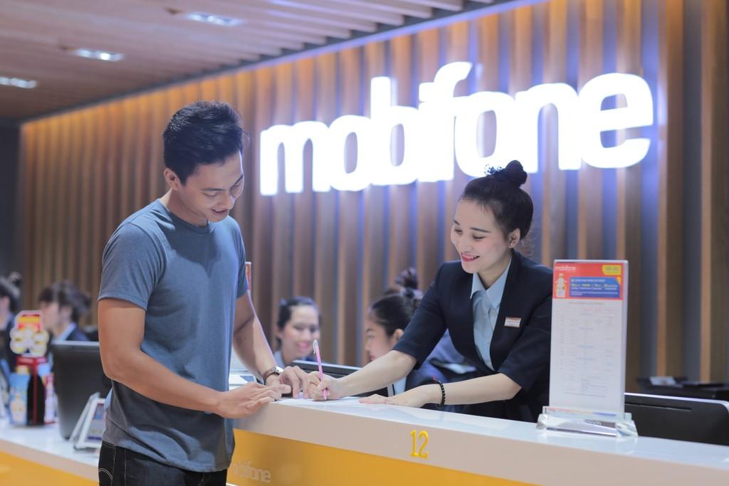 Hời gấp đôi khi mua Samsung Galaxy J8 tại cửa hàng MobiFone - ảnh 2