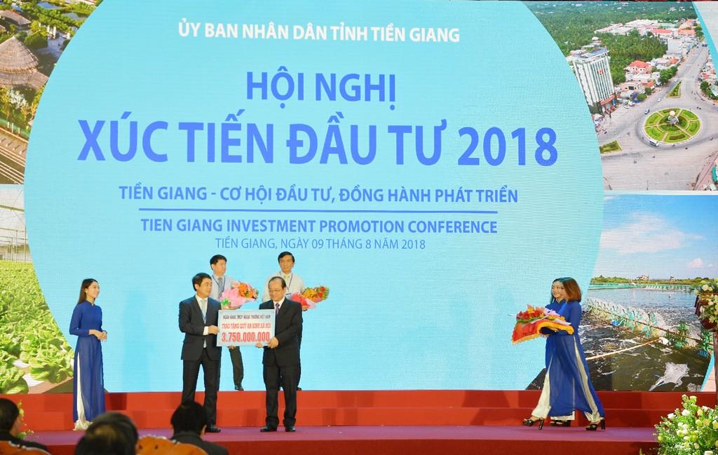 Vietcombank cam kết đồng hành phát triển kinh tế - xã hội tỉnh Tiền Giang - ảnh 2