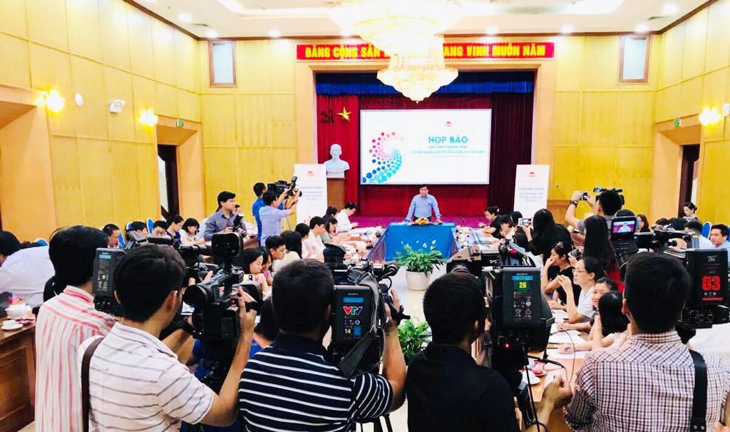 Bộ trưởng Nguyễn Chí Dũng chủ trì tổ chức họp báo giới thiệu về Chương trình Kết nối mạng lưới đổi mới sáng tạo Việt Nam. Ảnh: Thùy Trâm