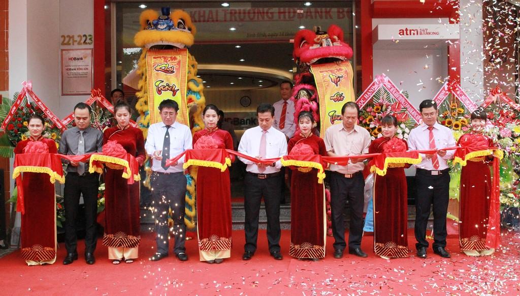 Khai trương HDBank Bồng Sơn- điểm giao dịch thứ 4 của HDBank tại tỉnh Bình Định