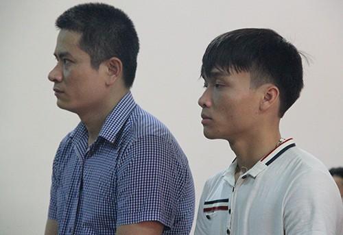 Bị cáo Chung (trái) và Quốc tại tòa.