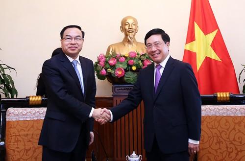 Phó Thủ tướng, Bộ trưởng Phạm Bình Minh tiếp Thị trưởng Trùng Khánh Đường Lương Trí. Ảnh: VGP