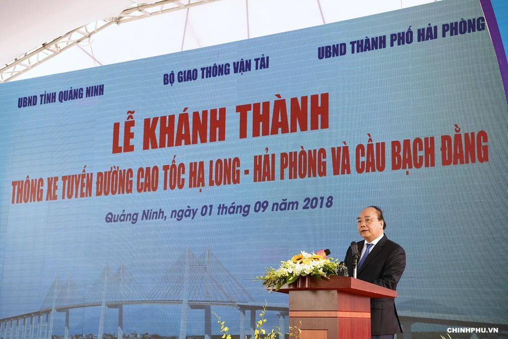 Thủ tướng cắt băng khánh thành cao tốc Hạ Long–Hải Phòng và cầu Bạch Đằng - ảnh 1