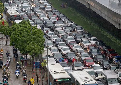 Ôtô cá nhân, taxi, xe khách... sẽ bị hạn chế đi vào các tuyến đường gần Trung tâm Hội nghị quốc gia.