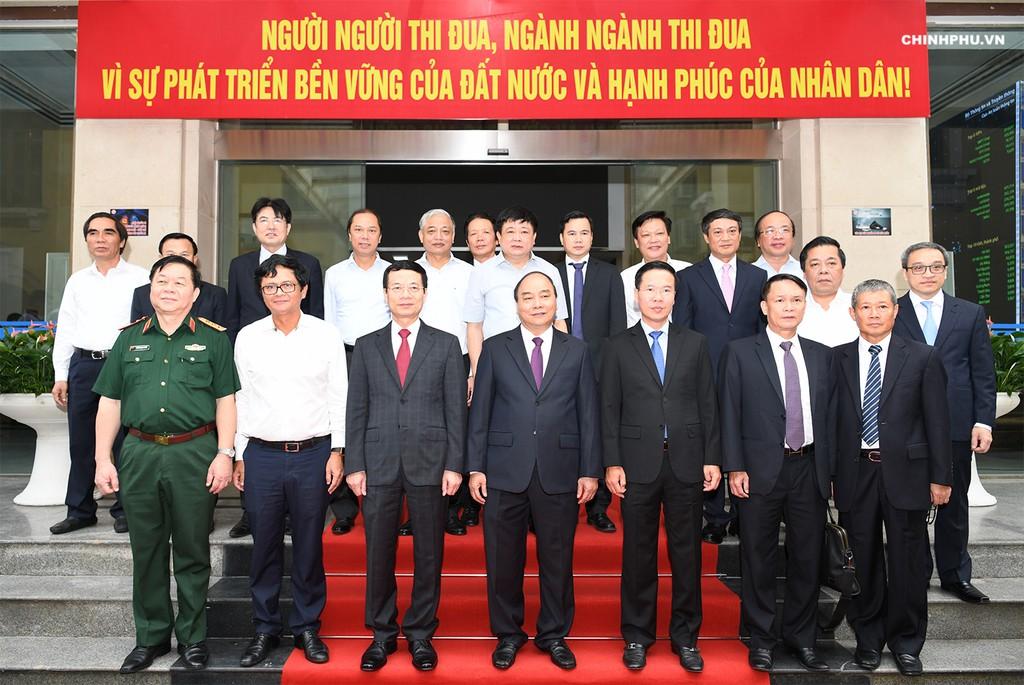 Thủ tướng: Đổi mới tư duy quản trị sẽ thúc đẩy công nghệ phát triển - ảnh 3