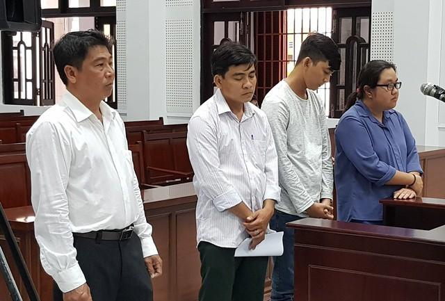 Hùng, Khánh, Tài, Tiên (từ trái qua).