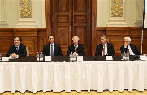 Tổng Bí thư dự Hội nghị Hiệu trưởng các trường ĐH Việt Nam - Hungary - ảnh 1