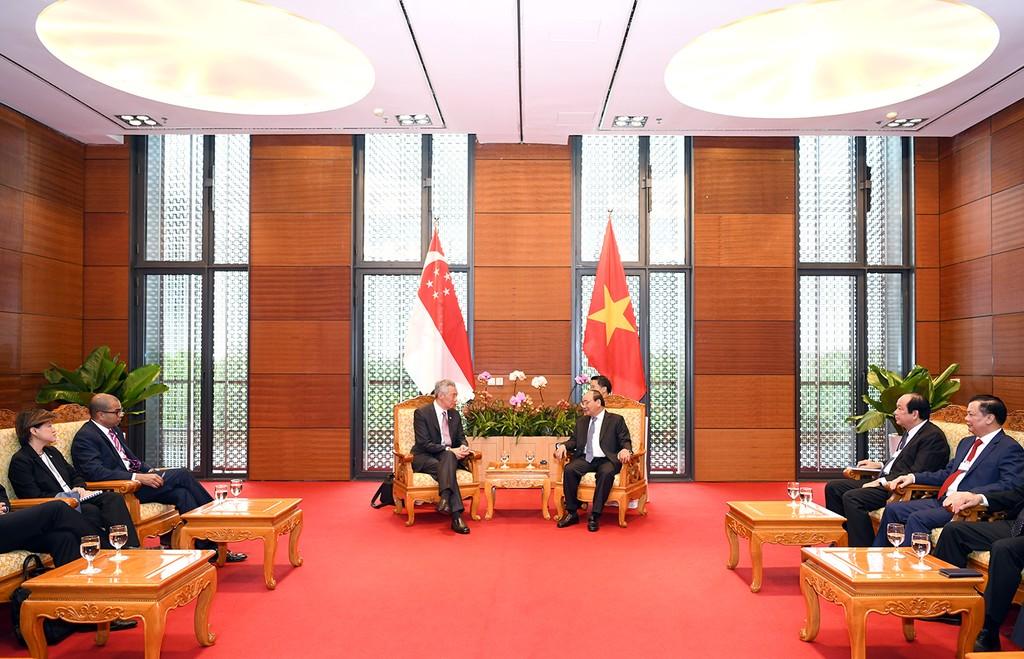 Thủ tướng Nguyễn Xuân Phúc tiếp Thủ tướng Singapore Lý Hiển Long - ảnh 1