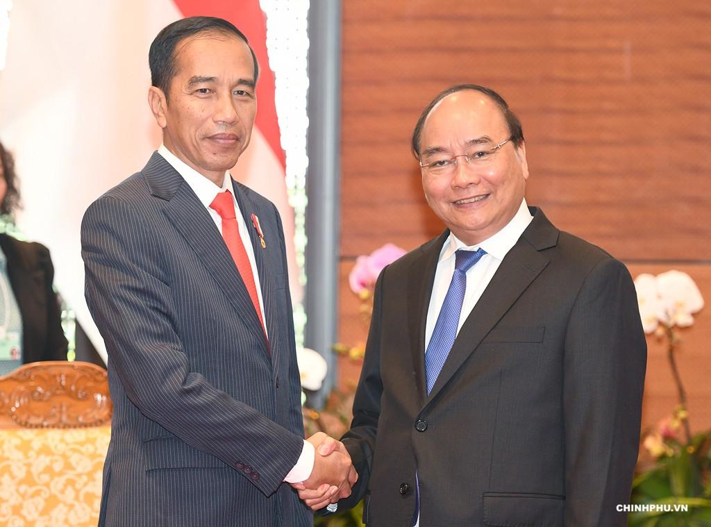Thủ tướng Nguyễn Xuân Phúc và Tổng thống Indonesia Joko Widodo. Ảnh: VGP