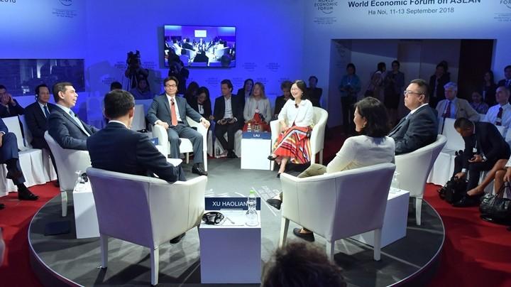 Phó thủ tướng Vũ Đức Đam: 100% người Việt sẽ có smartphone và học tập trên đó - ảnh 1