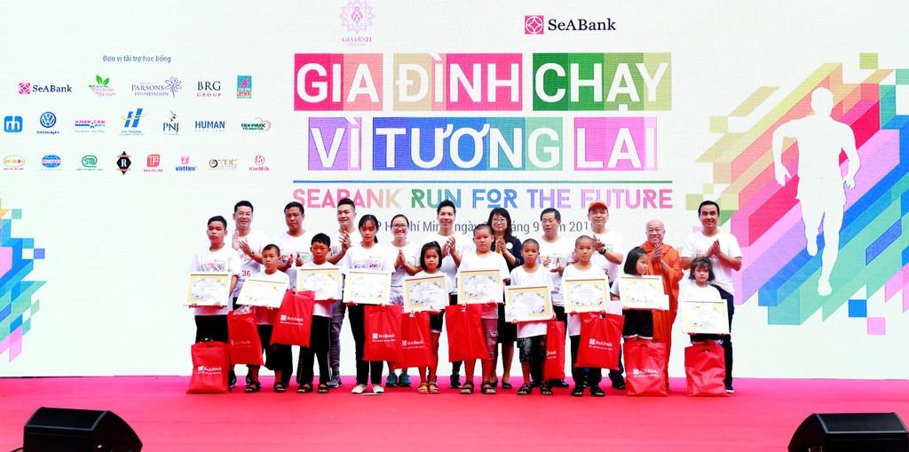 """Gần 3 tỷ đồng cho trẻ em nghèo hiếu học từ giải chạy cộng đồng """"SeABank Run For The Future"""" - ảnh 5"""