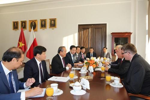 Phó Thủ tướng Thường trực hội kiến Chủ tịch Thượng viện Ba Lan - ảnh 1