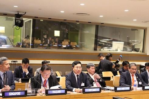 Phó Thủ tướng, Bộ trưởng Ngoại giao Phạm Bình Minh tại Hội nghị cấp Bộ trưởng các nước ASEAN và Liên minh Thái Bình Dương lần thứ 5. Ảnh: VOV