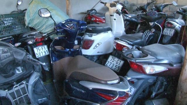 TP Huế: Hàng trăm xe cầm cố ở các tiệm cầm đồ sai quy định - ảnh 3