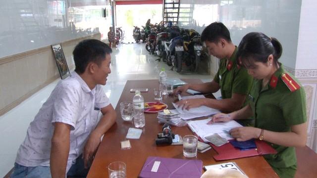 TP Huế: Hàng trăm xe cầm cố ở các tiệm cầm đồ sai quy định - ảnh 4