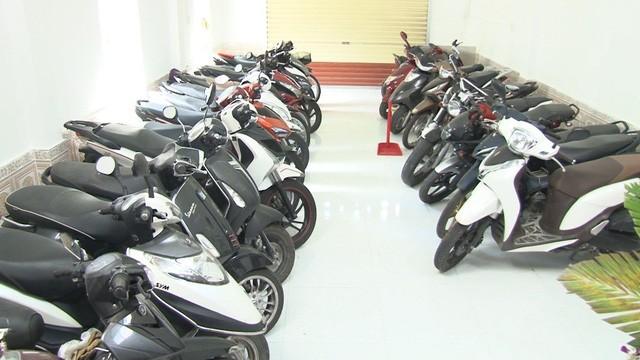 TP Huế: Hàng trăm xe cầm cố ở các tiệm cầm đồ sai quy định - ảnh 5