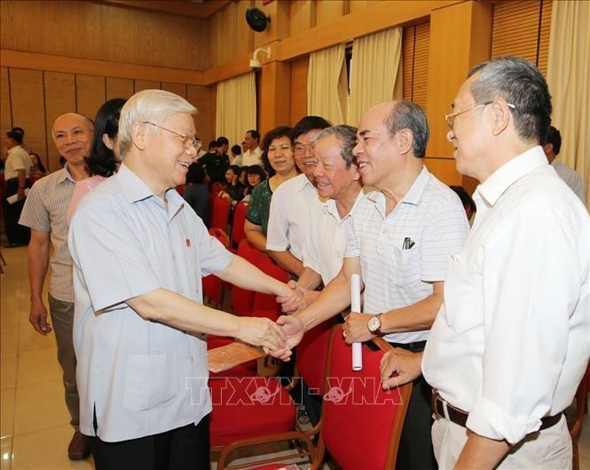 Tổng Bí thư Nguyễn Phú Trọng tiếp xúc cử tri tại Hà Nội - ảnh 1