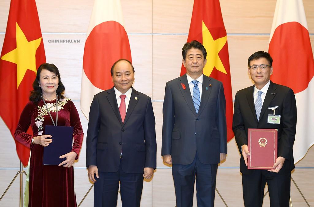 Thủ tướng Nguyễn Xuân Phúc hội đàm với Thủ tướng Nhật Bản - ảnh 1