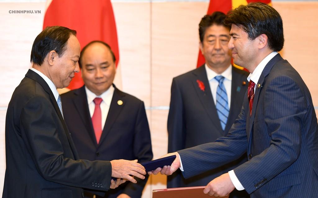 Thủ tướng Nguyễn Xuân Phúc hội đàm với Thủ tướng Nhật Bản - ảnh 2