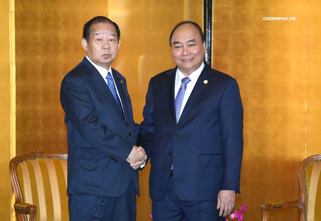 Thủ tướng tiếp Tổng Thư ký Đảng Dân chủ tự do Nhật Bản, Chủ tịch Liên minh Nghị sĩ hữu nghị Nhật-Việt Toshihiro Nikai. Ảnh: VGP