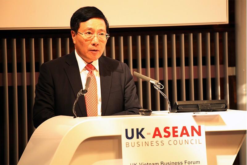 Phó Thủ tướng, Bộ trưởng Bộ Ngoại giao Phạm Bình Minh phát biểu tại diễn đàn. Ảnh: VGP