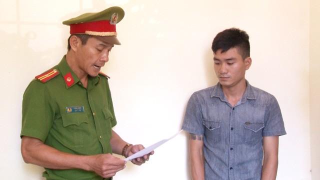 Công an TP Huế đọc lệnh bắt Lê Hoài Lộc