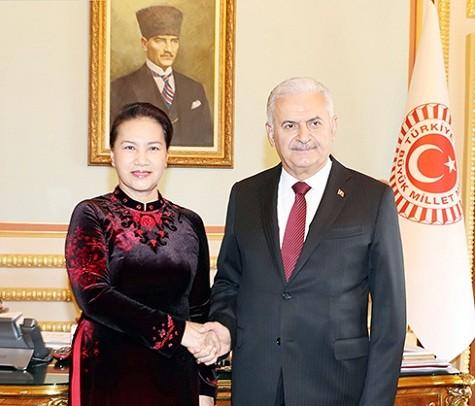 Chủ tịch Quốc hội Nguyễn Thị Kim Ngân với Chủ tịch Quốc hội Thổ Nhĩ Kỳ Binali Yildirim - Ảnh: ĐBND