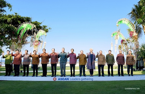 Thủ tướng đề nghị IMF, WB tư vấn xây dựng cơ chế cảnh báo rủi ro kinh tế vĩ mô cho ASEAN - ảnh 3