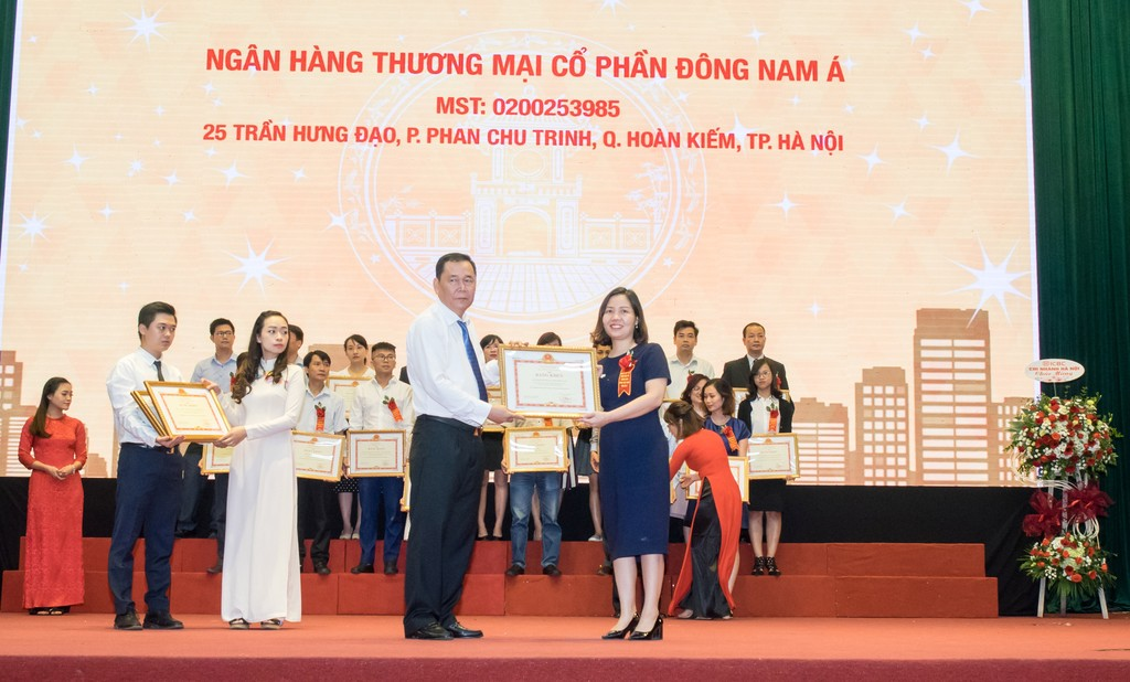 SeABank nhận bằng khen của Bộ Tài chính về kê khai, nộp thuế năm 2017