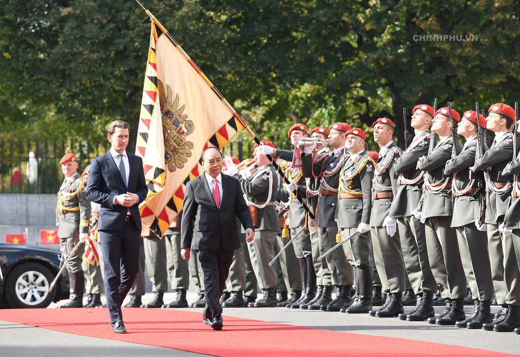 Chùm ảnh: Thủ tướng Cộng hòa Áo đón và hội đàm với Thủ tướng Nguyễn Xuân Phúc - ảnh 3