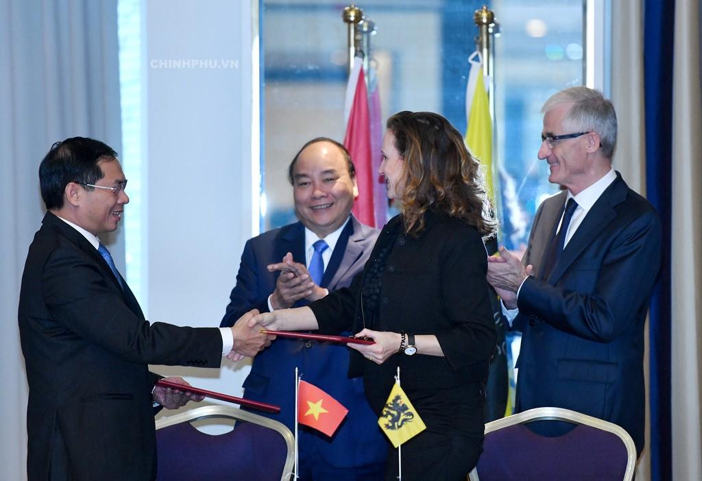 Thủ tướng tiếp một số Bộ trưởng-Chủ tịch vùng của Bỉ - ảnh 2