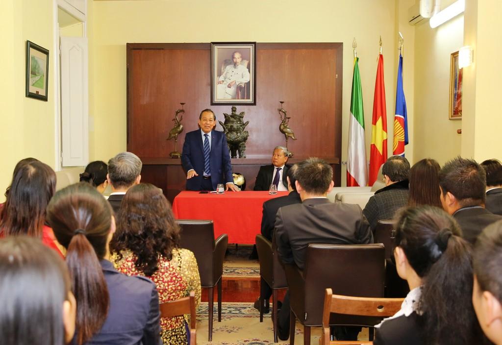 Phó Thủ tướng Trương Hòa Bình gặp gỡ cộng đồng người Việt tại Italia - ảnh 1
