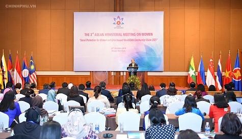 Thủ tướng đặt câu hỏi về tầm nhìn ASEAN nếu phụ nữ 'bị bỏ lại phía sau' - ảnh 3