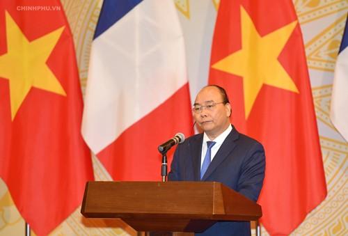 Thủ tướng Nguyễn Xuân Phúc hoan nghênh việc Thủ tướng Pháp thăm Điện Biên Phủ - ảnh 1