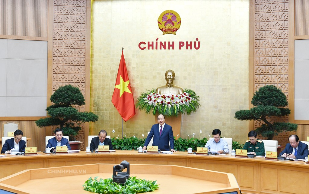 Thủ tướng phát biểu kết luận phiên họp Chính phủ tháng 10/2018. Ảnh: VGP
