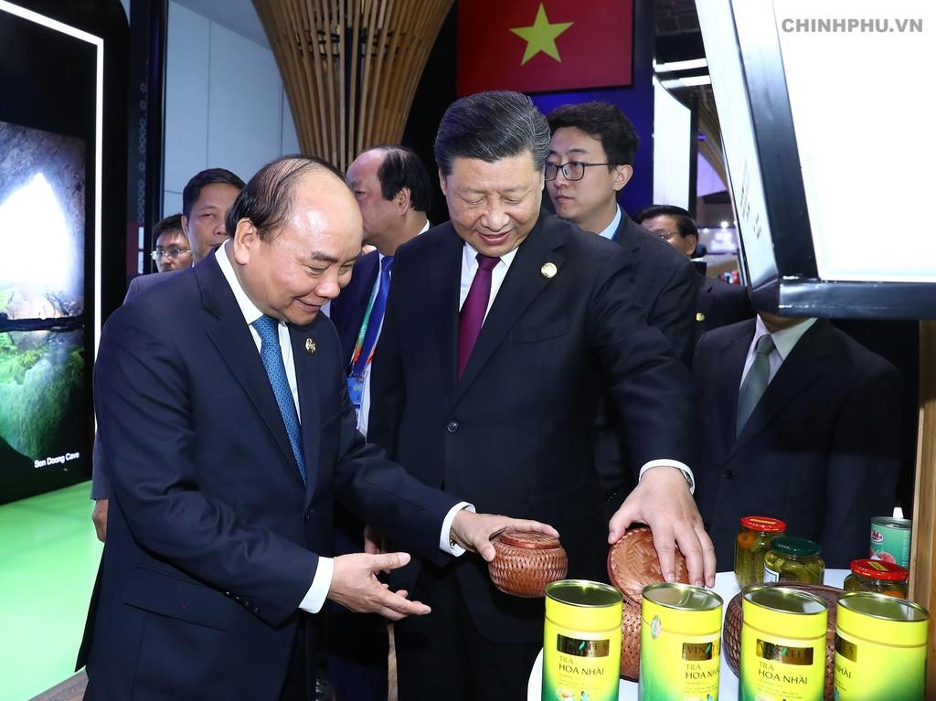 Thủ tướng dự Lễ khai mạc Hội chợ CIIE và Diễn đàn kinh tế thương mại quốc tế Hồng Kiều - ảnh 6