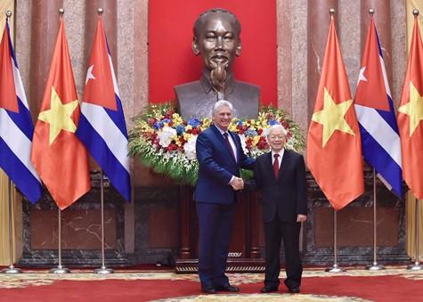 Tổng Bí thư, Chủ tịch nước Nguyễn Phú Trọng hội đàm với Chủ tịch HĐNN, HĐBT Cuba - ảnh 1