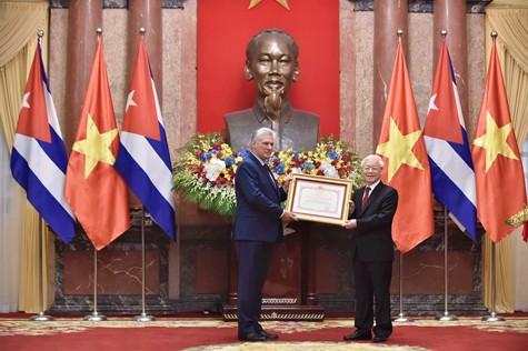 Đưa quan hệ hợp tác đặc biệt Việt Nam - Cuba lên một tầm cao mới - ảnh 1