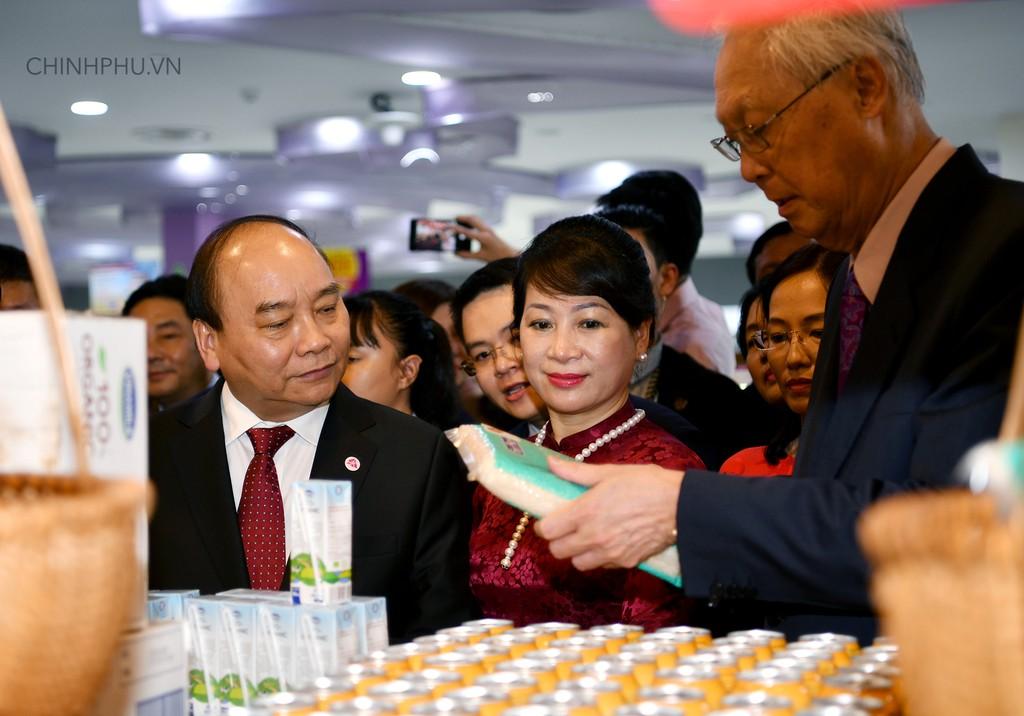 Thủ tướng khai trương sự kiện đặc biệt quảng bá hàng Việt tại Singapore - ảnh 3
