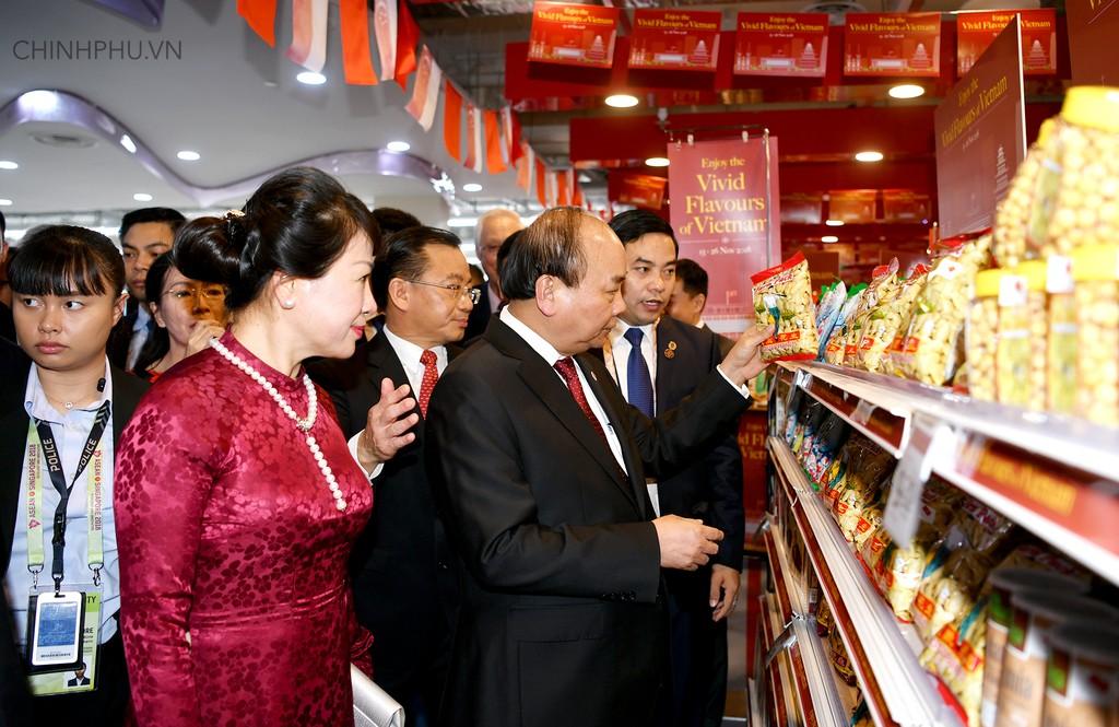 Thủ tướng khai trương sự kiện đặc biệt quảng bá hàng Việt tại Singapore - ảnh 4